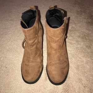 H&M BROWN SUEDE ANKLE BOOTS
